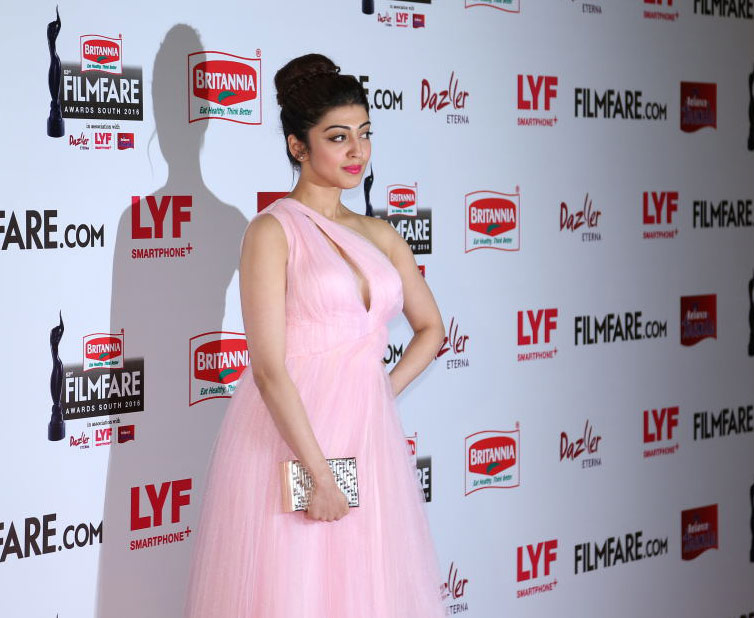 Pranitha at Filmfare awards