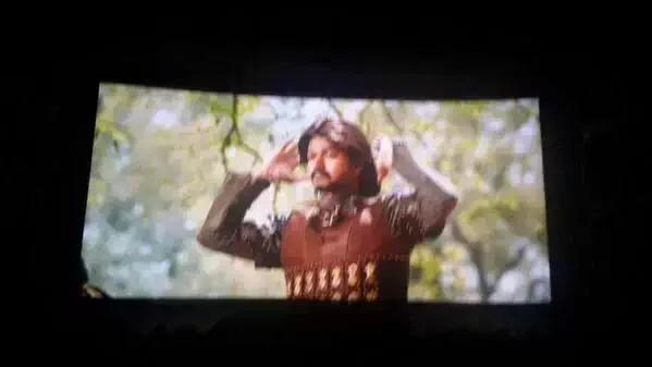 Puli FDFS photos