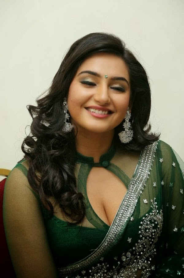 Ragini Dwivedi hot photos