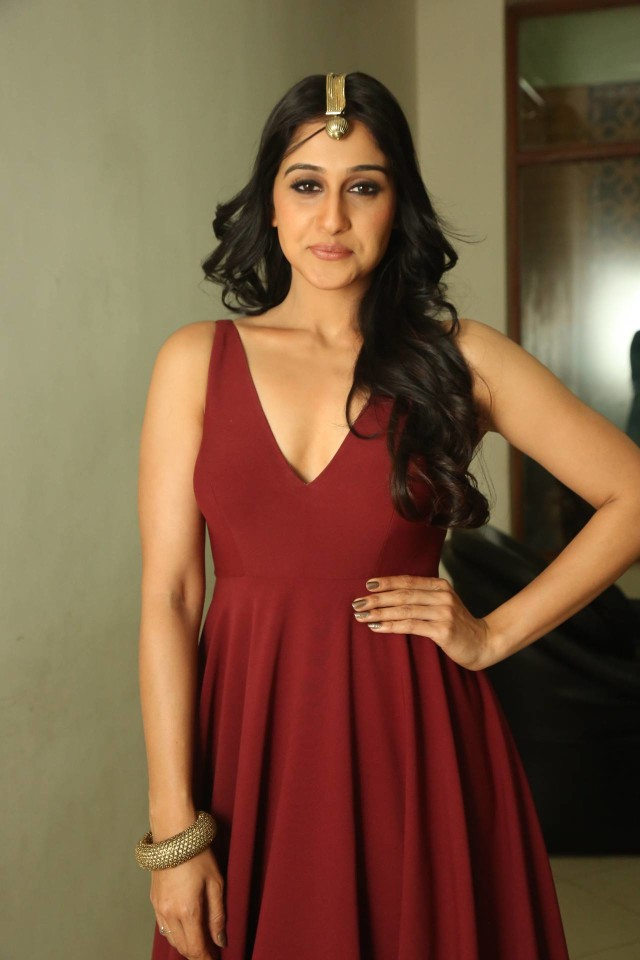 Regina Cassandra at Speedunnodu Audio Launch