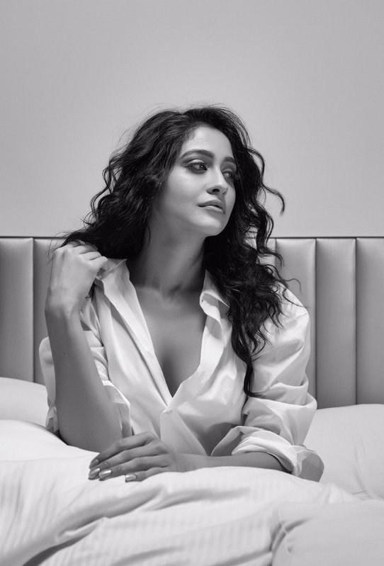 Regina Cassandra hot photos
