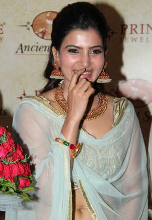Samantha hot at jwellery shop opening