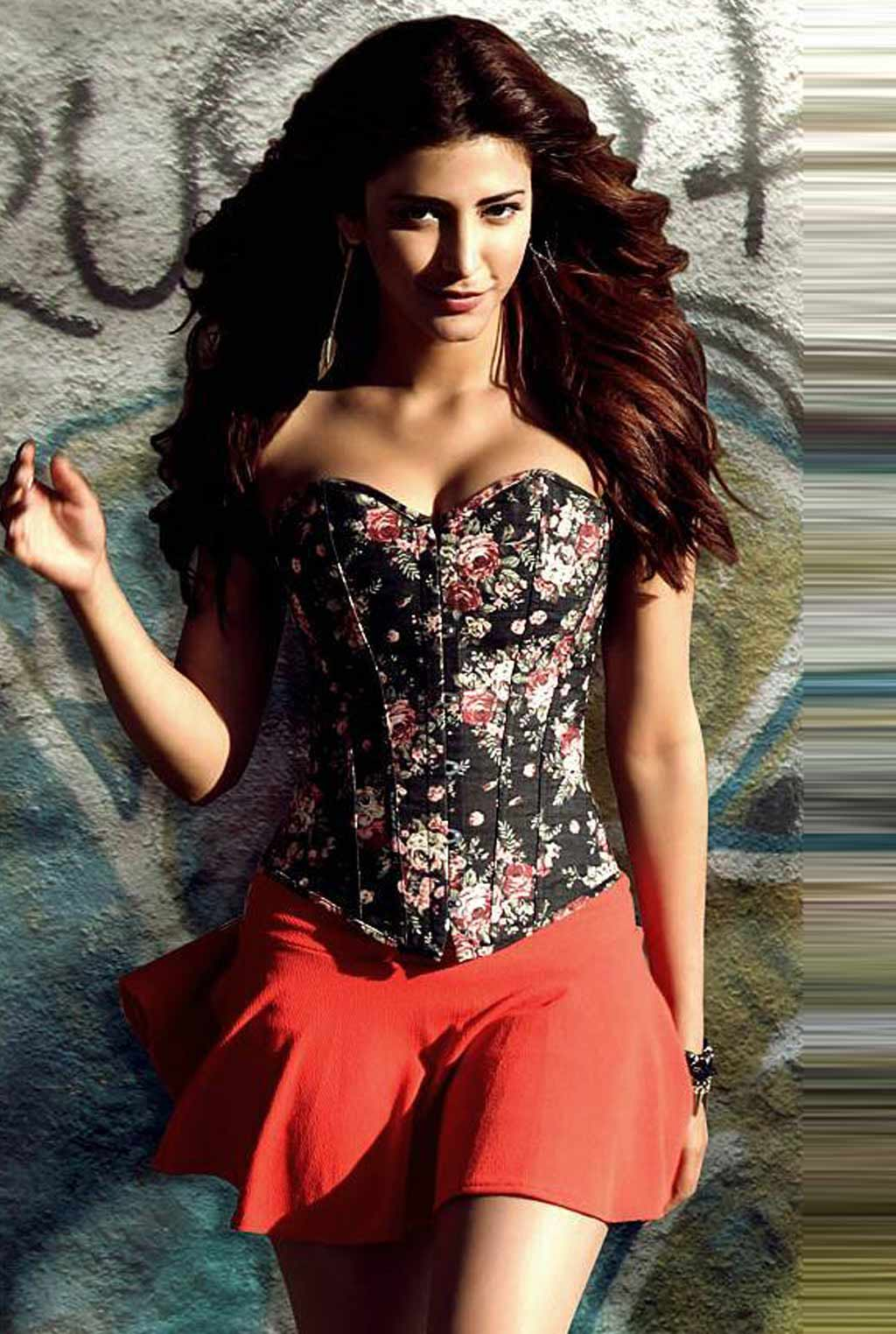 Shruti Hassan in Balupu