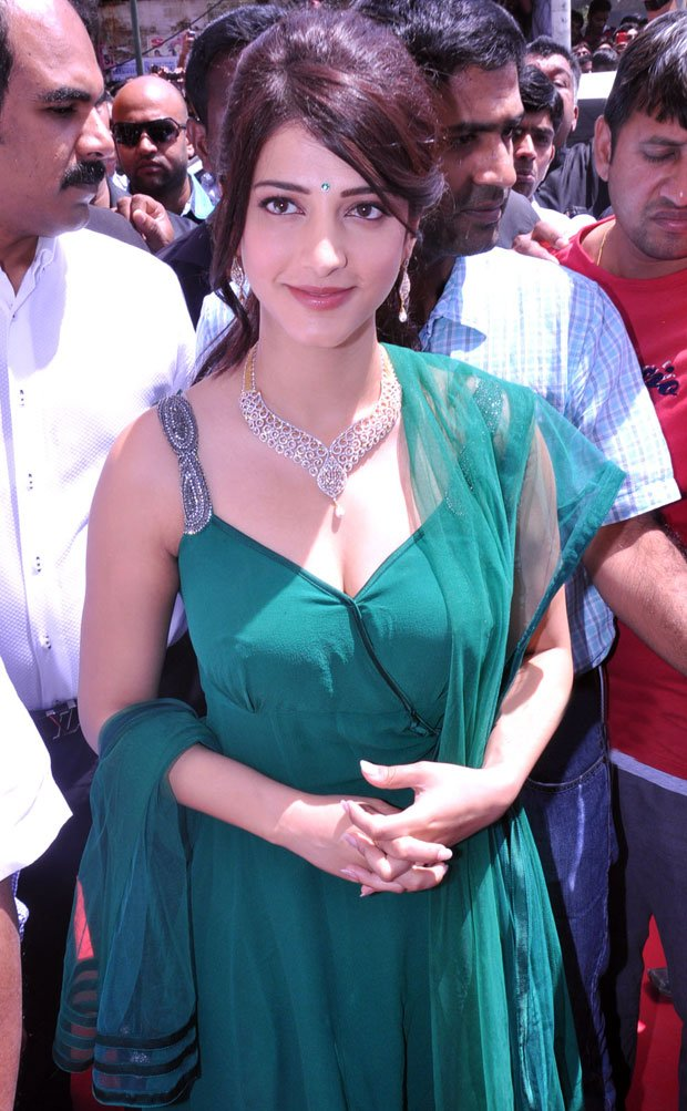 Shruti at jewel shopopening cermony