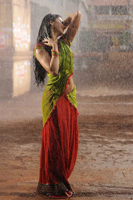 Shruti Hassan hot photos
