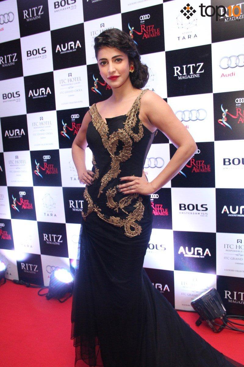 Shruti Haasan looking lovely at Ritz Style Awards