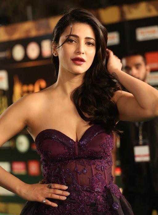 Shruti Haasan hot photos