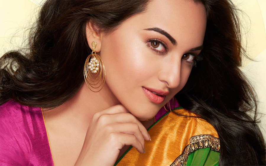 Pretty Looks of Sonakshi