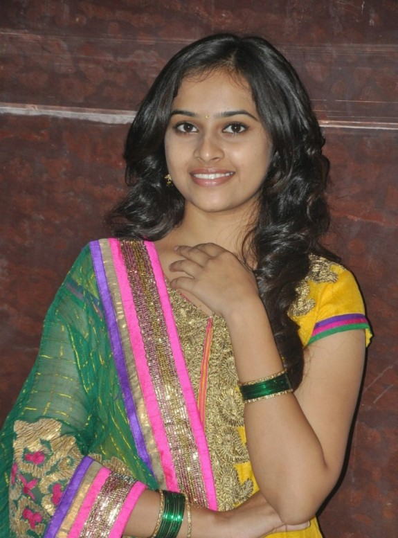 Sri Divya actress 2