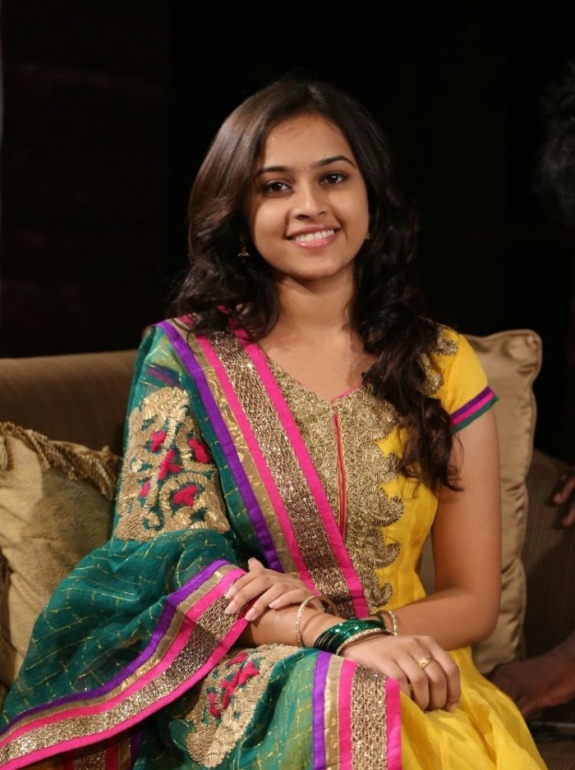 Sri Divya actress latest photos