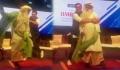 Ranveer Singh's FUNNY dance with Sadguru Vasudev goes viral  FilmiBeat