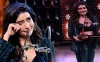 Khatron Ke Khiladi 10: Karishma Tanna cries on stage after winning trophy