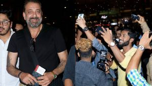 Sanju: Sanjay Dutt fans went CRAZY to take SELFIES with him