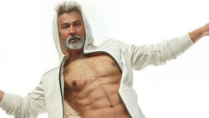 Varun Dhawan turns into 70 year old HUNK,He looks like a carbon copy of Anil Kapoor