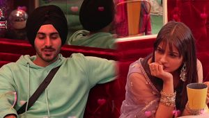 Mujhse Shaadi Karoge: Shehnaz misses Sidharth after listening Rohanpreet Singh's song