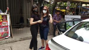 Mahima Chaudhry snapped with daughter first time in Media