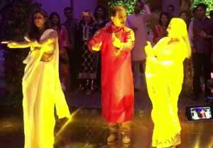 Jaya Bachchan Shweta Bachchan Dance At Sandeep Khosla's Part Will Make Your Day
