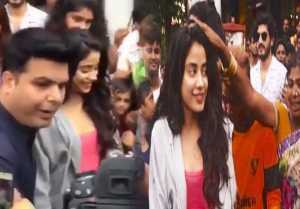 Jhanvi Kapoor fans went CRAZY post Dhadak release ; Watch Video