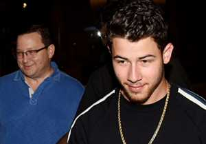 Priyanka Chopra Engagement Party: Nick Jonas arrives in India with parents: Watch Video