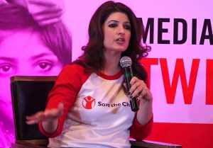 Twinkle Khanna speaks up on periods & women health; Watch Video