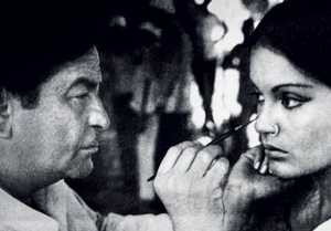 Zeenat Aman Birthday: Why She met Raj Kapoor with a burnt face