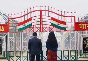 Salman Khan  Katrina Kaif reach Wagah Border; Find out why