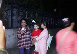 Shahid Kapoor's mom Neelima Azim gets angry on Media because of Misha Kapoor; Watch Video