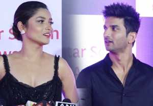Ankita Lokhande IGNORES Ex boyfriend Sushant Singh Rajput at Star Screen Awards; WATCH