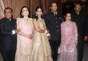Isha Ambani Reception : Nita Ambani Swati Piramal Twins in Pink