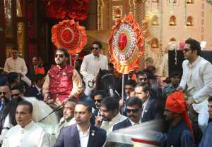 Isha Ambani Wedding: Akash & Anant Ambani reach venue riding on horse with Mukesh Ambani