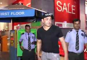 Bobby Deol Takes Selfies With Fans At Big FM Office