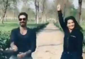 Sunny Leone shakes leg with Daniel Weber on Ranveer Singh's Aankh Marey; Watch video