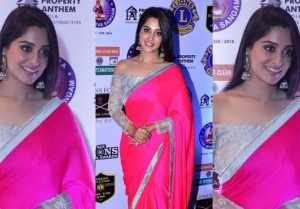 Dipika Kakar draped a fuchsia pink saree at 25th Sol Lions Gold Awards 2019; Watch Video