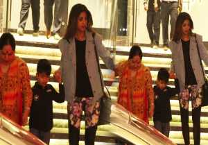 Shilpa Shetty spotted with Viaan and mother Sunanda Shetty at Juhu: Watch Video