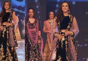 Preity Zinta walk the ramp for Abu Jani and Sandeep Khosla: Watch Video