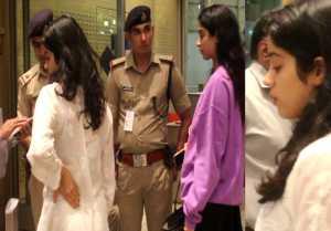 Jhanvi Kapoor stopped by security guard at Mumbai airport after Deepika Padukone