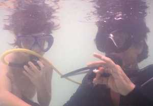 Shahrukh Khan enjoys under water fun with son Abram in Maldives; Check out