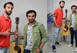 Tum Jaise Ch*t*yo Ka Sahara Hai Dosto singer Rajeev Raja plays musical game