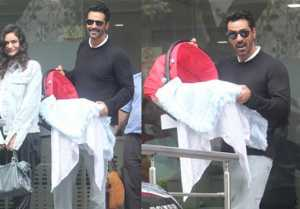 Arjun Rampal & Gabriella Demetriades leave hospital with baby boy; Watch Video