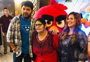 The Kapil Sharma Show: Kapil attends Angry Birds 2 screening with pregnant Ginni & mother