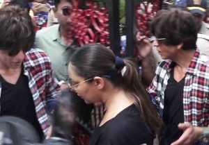 Shahrukh Khan cast vote along with wife Gauri Khan; Watch Video