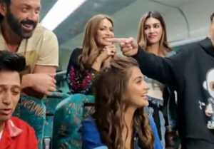 Akshay Kumar & team of Housefull 4 share funny moments of shooting
