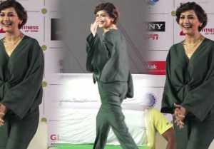 Sonali Bendre makes stylish appearance at Kotak Mahindra Tennis Premier League