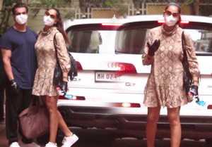 Bipasha Basu with husband Karan Singh Grover spotted at Bandra