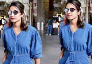 Heena Khan spotted at Mumbai airport