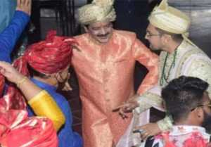 Aditya Narayan Shweta Wedding: Udit Narayan dances at wedding; Watch video