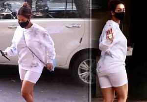 Malaika Arora Snapped at Clinic Bandra