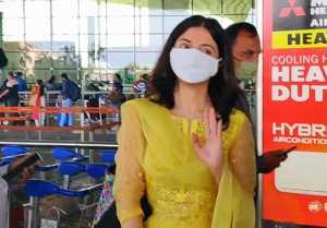 Divya Kumar Khosla looks fabulous in suit at Mumbai airport
