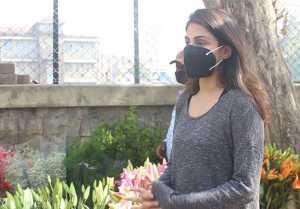 Rhea Chakraborty buys flowers ahead of Sushant's Birth Anniversary