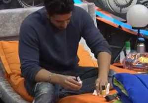 Bigg Boss 14; Aly Goni uses Jasmin Bhasin's nail paint; Check Out